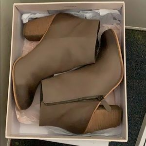 BP Trolley Booties Grey Leather size 9.5
